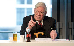 Helmut Schmidt called for pan-european and inter-disciplinary research projects.