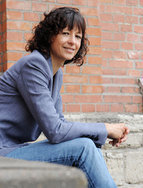 Sometimes a single discovery can change a whole life. For Emmanuelle Charpentier, deciphering the functioning of an enzyme previously known only to experts was such a moment. The trio comprised of one enzyme and two RNA molecules and known as CRISPR-Cas9 made headlines far beyond the world of science. Since then, a lot of things have changed in the French woman's life. She became a Director at the Berlin-based Max Planck Institute for Infection Biology in early October 2015.