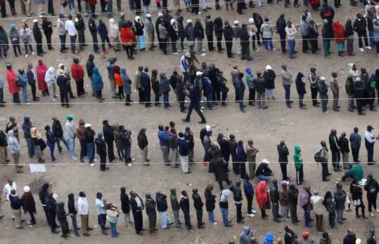 People are queuing for the elections in Nairobi