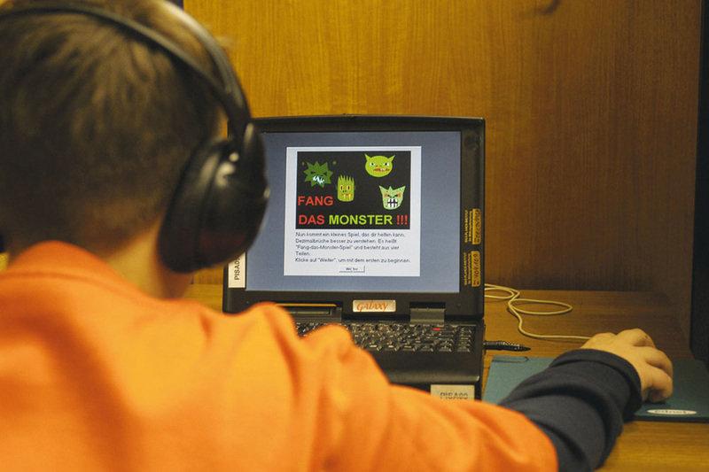 Das Monster auf dem Zahlenstrahl einzufangen ist eine der elementarsten Übungen auf dem Weg zur Mathematik.