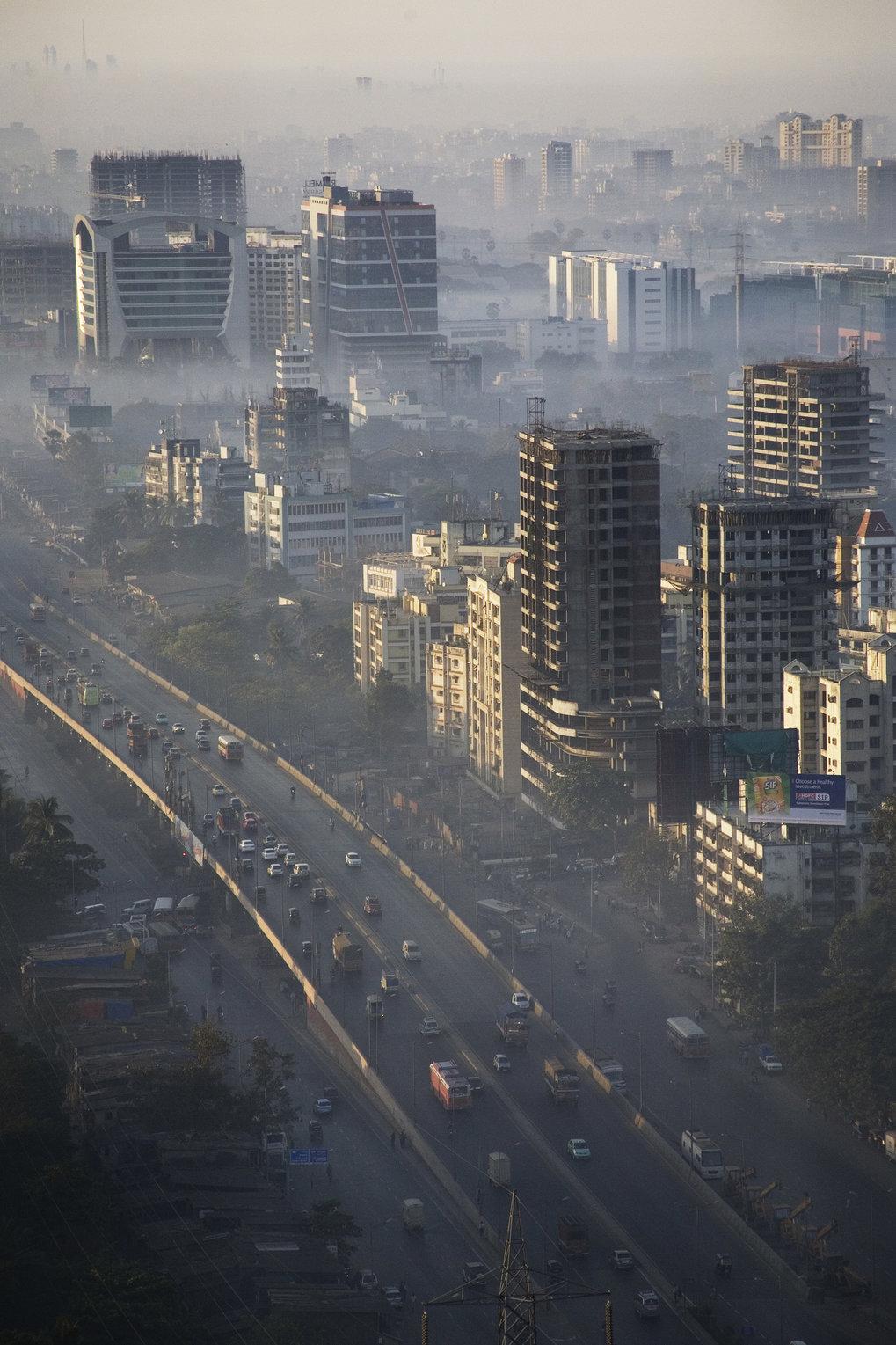 Dicke Luft: Alltag in Megacities wie Mumbai, Indien.