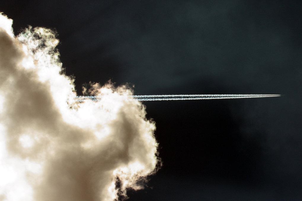 Der Flugverkehr trägt zwar nur etwa zwei Prozent zum globalen Kohlendioxidausstoß bei, aber der Anstieg der Emissionen aus dieser Qelle ist beispielha