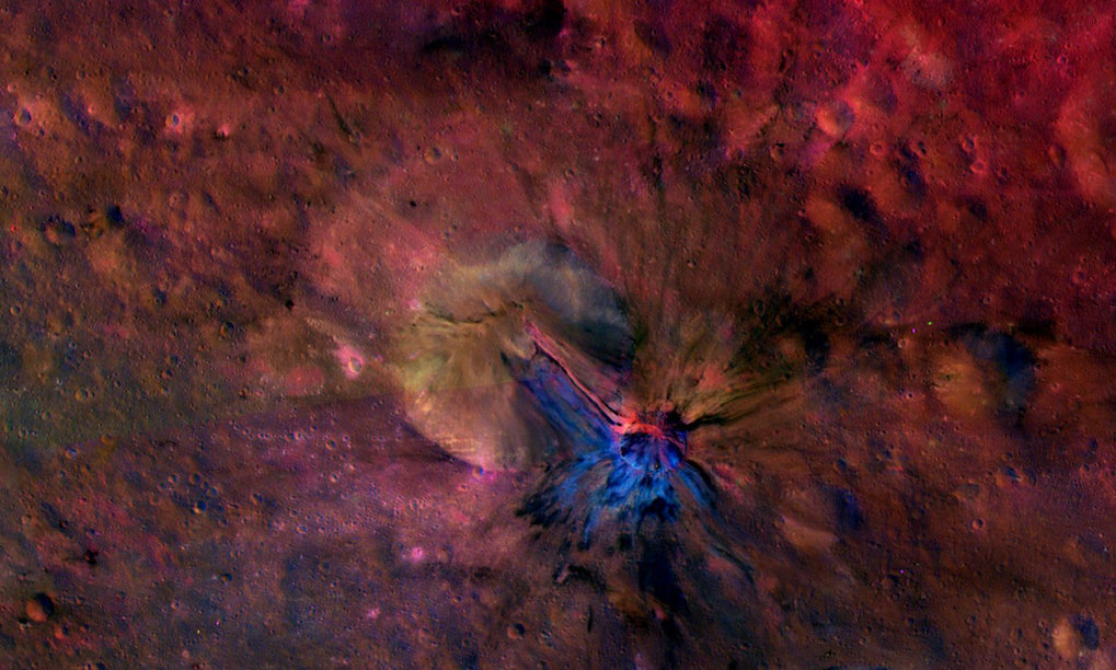Crater Aelia, 40°O/14°S: this colourful composite image from NASA's Dawn mission shows the flow of material inside and outside a crater called