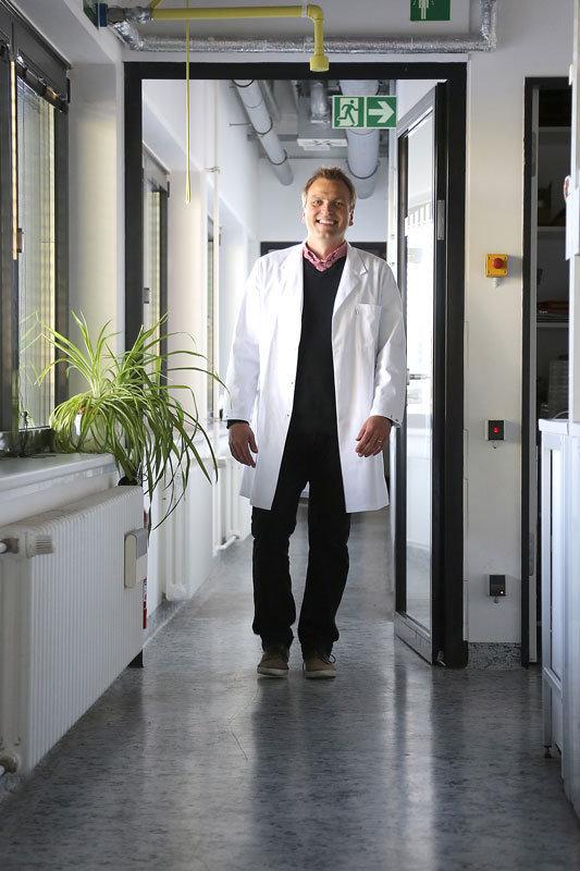 Was ist das Geheimnis der Langlebigkeit? Ralf Schaible sucht die Antwort auf diese Frage auch in den Genen des Polypen.