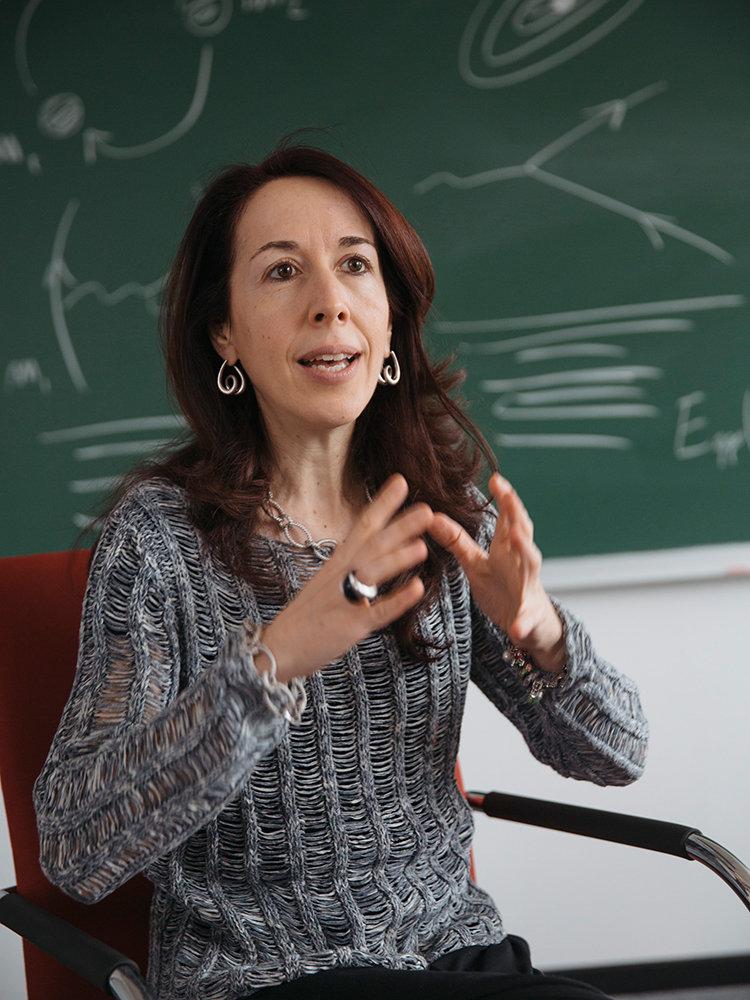 Die Entdeckung von Gravitationswellen am 14. September 2015 krönt eine jahrzehntelange Suche mit ausgeklügelten Methoden. Entscheidenden Anteil am Erf