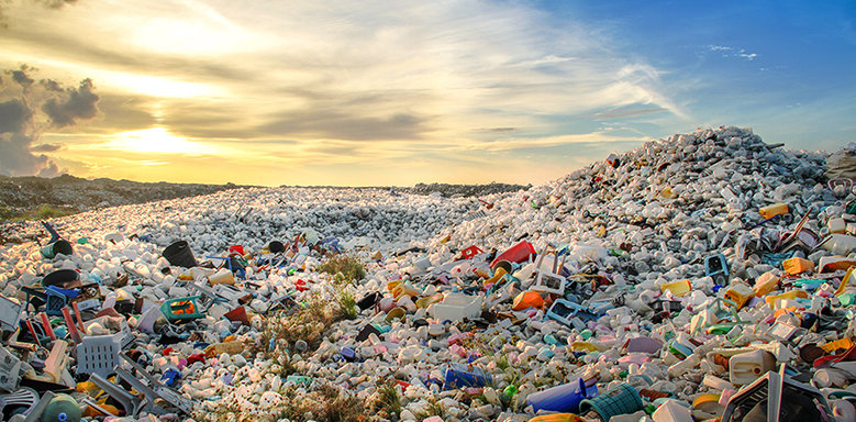 If plastic waste, like here in the Maldives, is deposited at a garbage dump, it is a fairly good outcome - at least it hasn't ended up in the oceans.