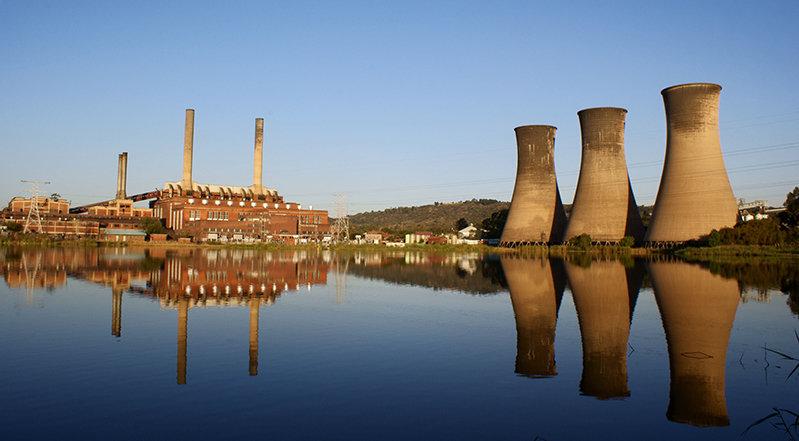 Auch wenn Kraftwerke stillgelegt werden, dauert es lange, bis sich ein positiver Effekt auf das Klima zeigt.