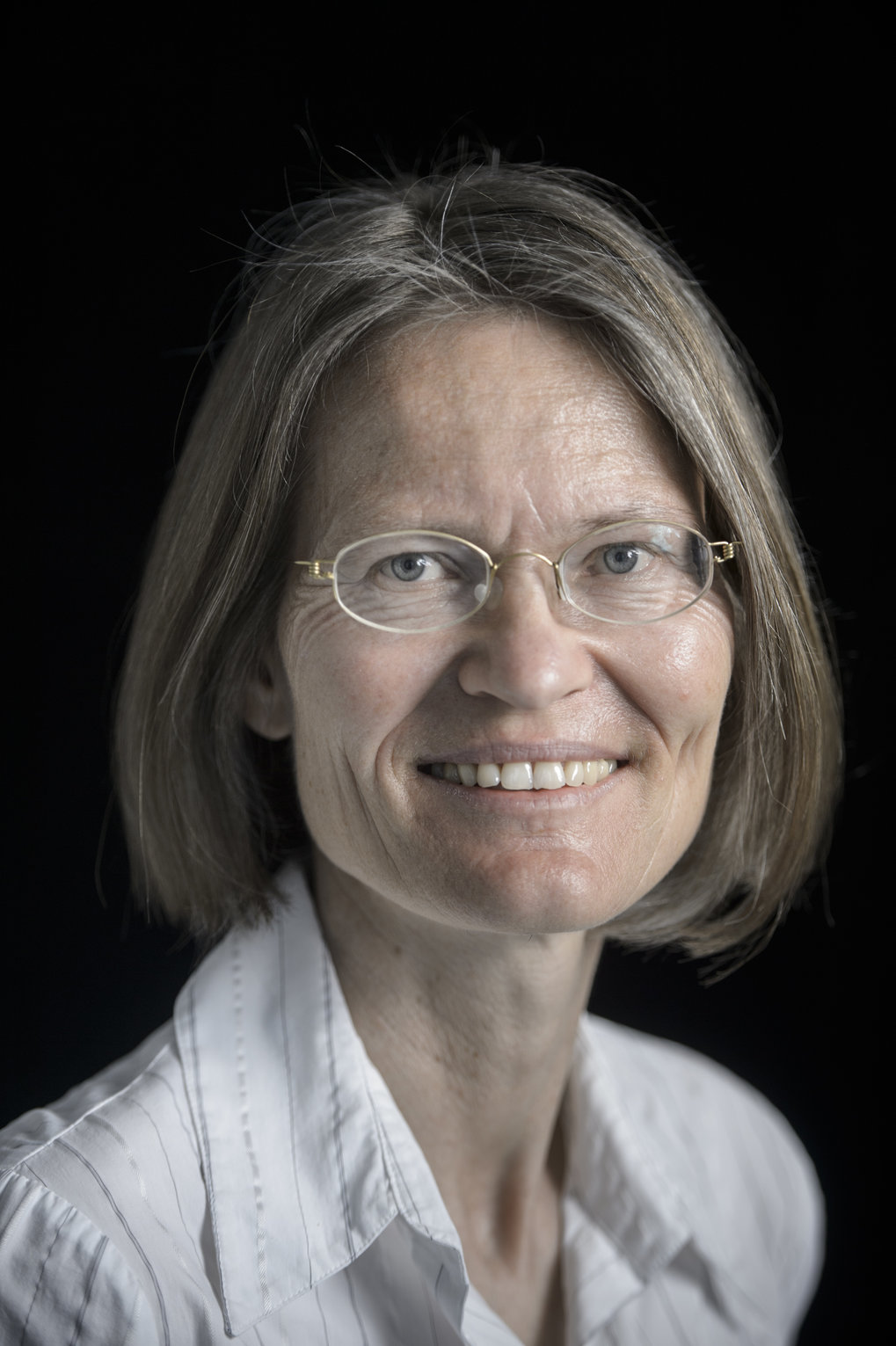 Prof. Dr. Anne Peters