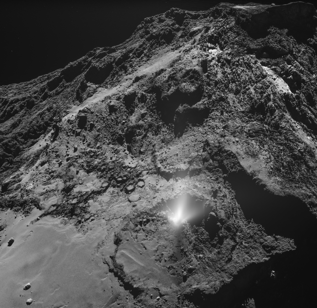 Comet probe reveals dust cloud