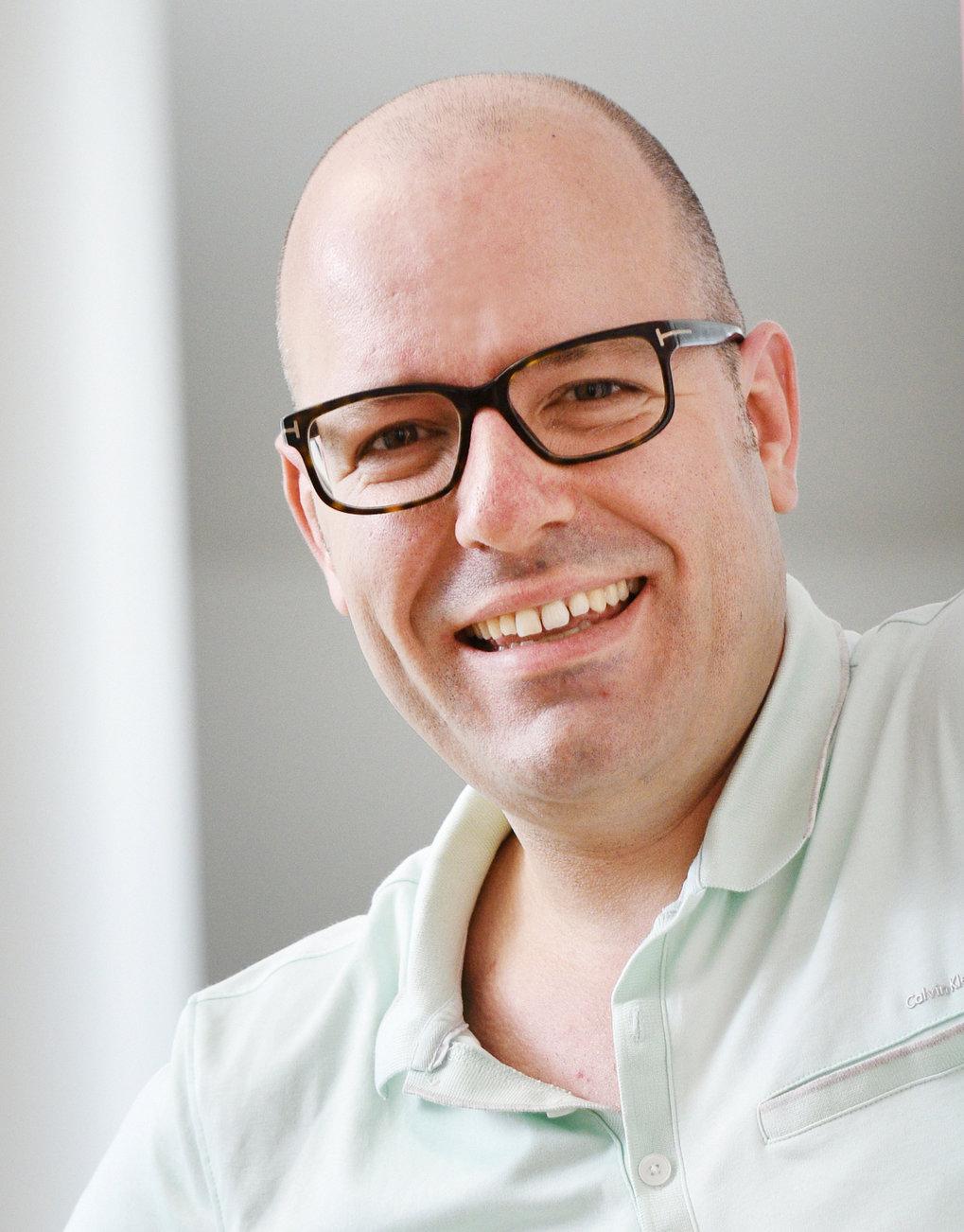 portrait photo of ZMB member Stefan Raunser