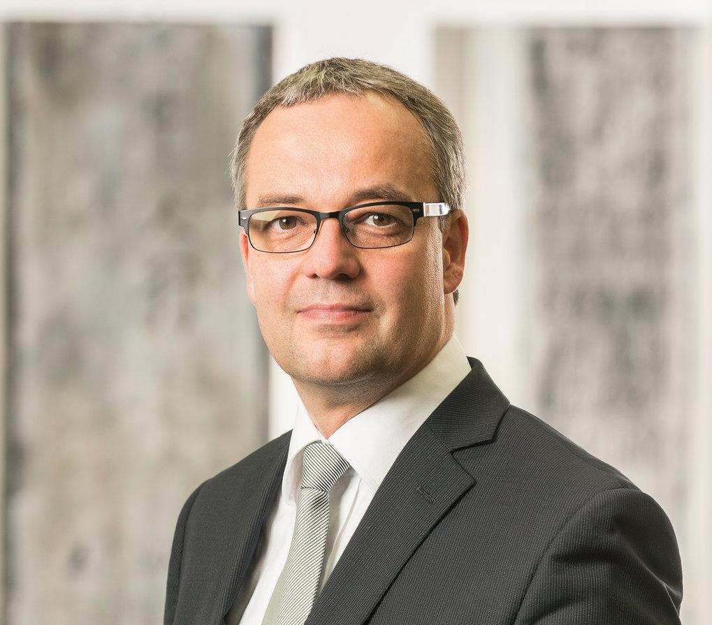 Prof. Dr. Jens Beckert