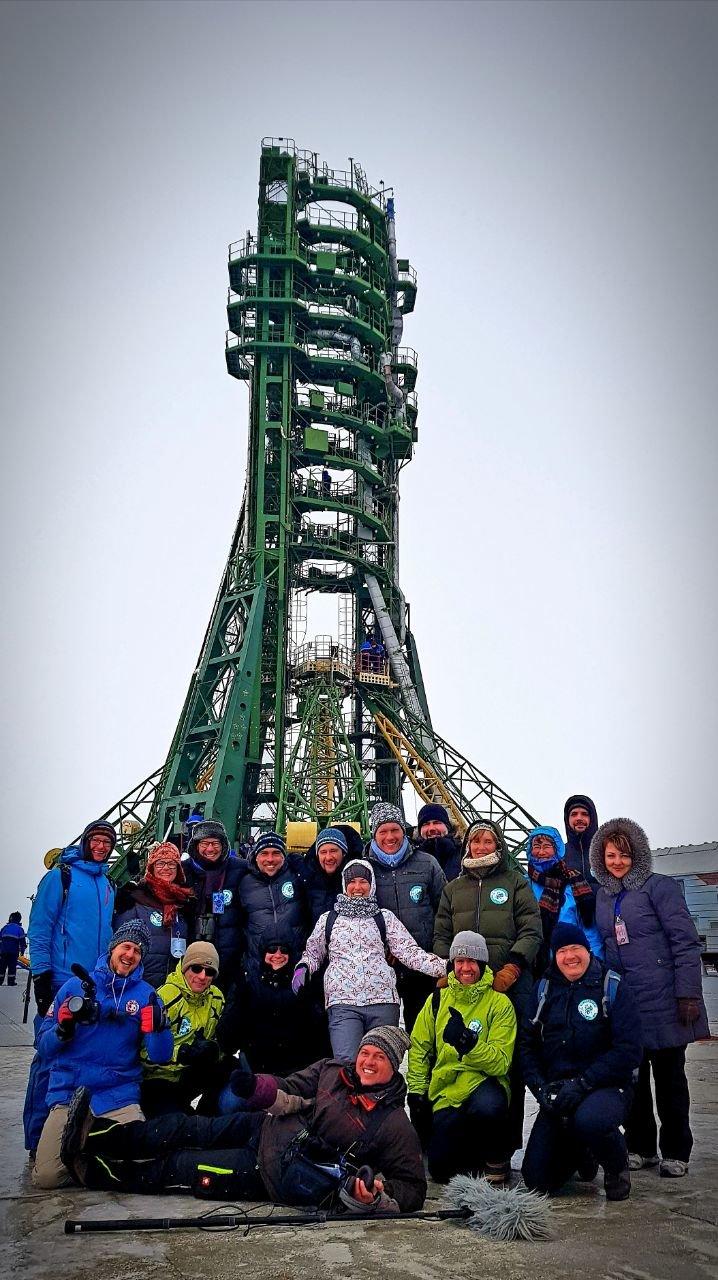Das Icarus-Team vor der Startrampe in Baikonur.