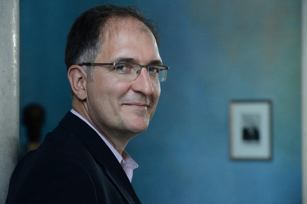 Grundlagenforscher, Unternehmensgründer, Entwicklungshelfer und Familienmensch – Peter Seeberger, Direktor am Max-Planck-Institut für Kolloid- und G