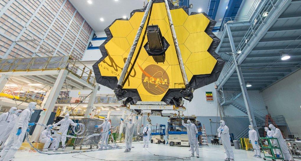 Gigantisches Facettenauge: Der goldbedampfte Hauptspiegel des James Webb Space Telescope hat einen Durchmesser von sechseinhalb Metern und besteht aus