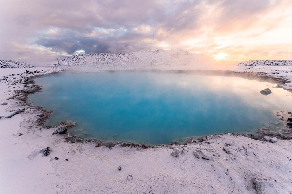 Kälte und Wärme im Wechsel könnten zur Entstehung von Leben auf der Erde beigetragen haben. So zeigen Laborexperimente, dass durch wiederholtes Einfri