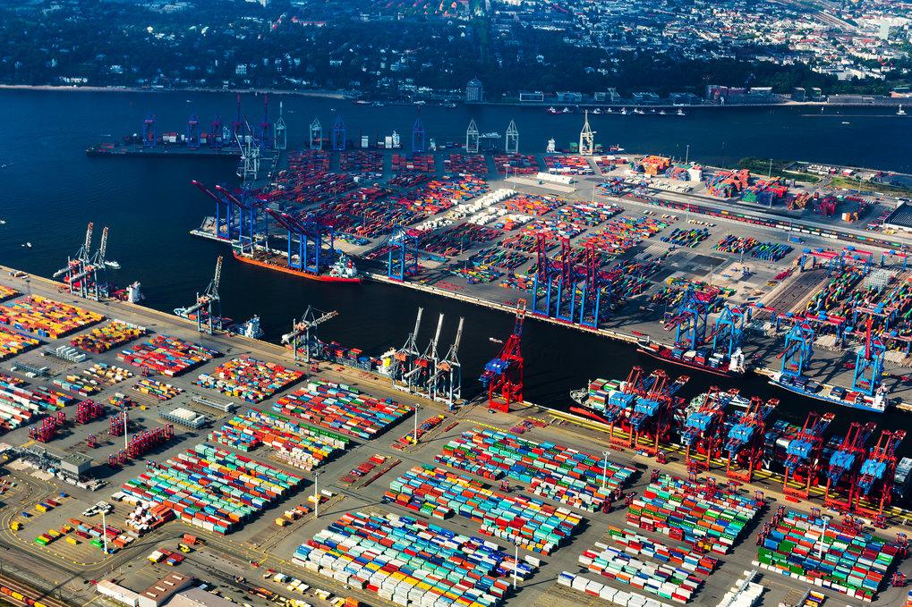 Ausfuhren auf Rekordniveau: Deutschland hat im Jahr 2018 so viele Waren exportiert wie nie zuvor. Die deutsche Wirtschaft profitiert davon, dass der E