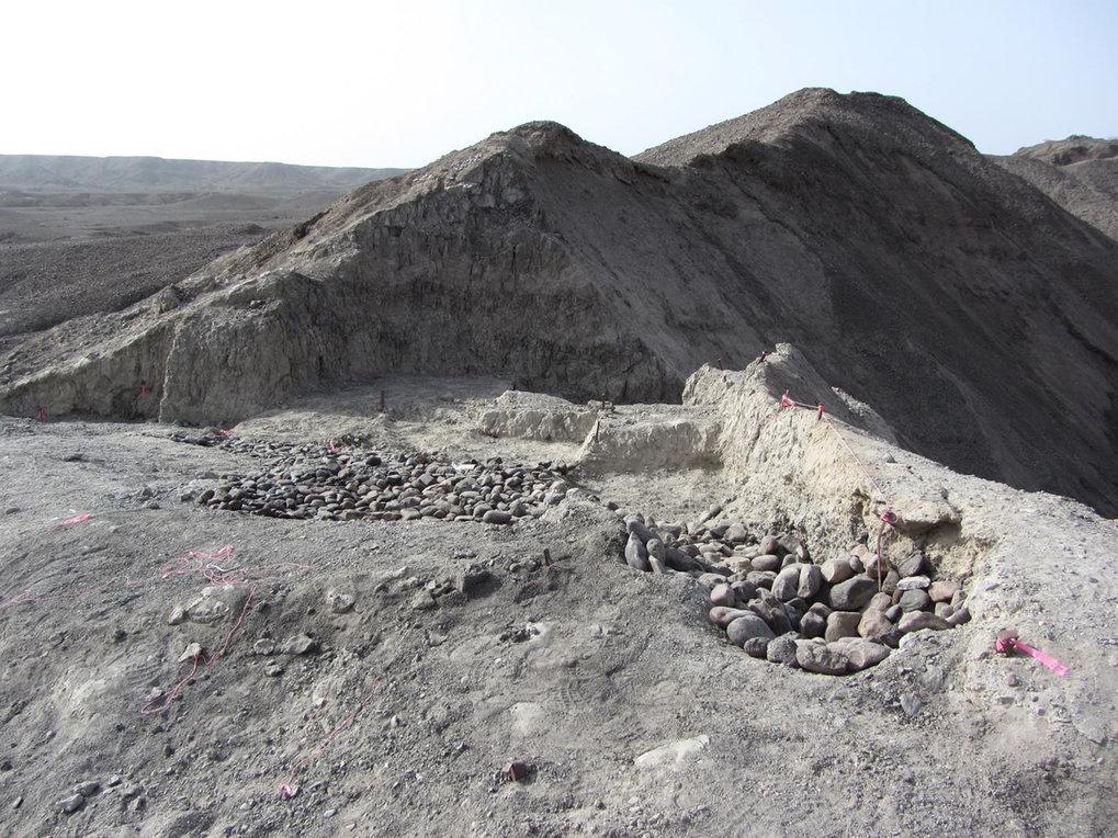 Die Ausgrabungsstätte Bokol Dora während der Grabungen im Jahr 2015. Während der Ausgrabung legten die Forscher Steine auf die freigelegten Schichten,