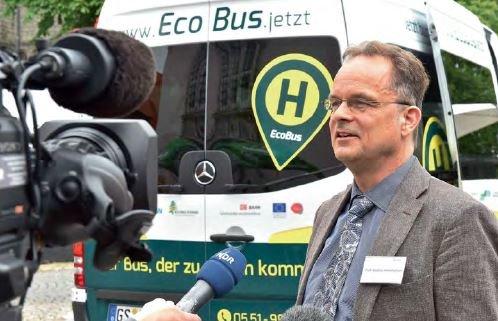 Stephan Herminghaus und die Idee des Ridesharings: Menschen teilen sich nicht ein Auto wie beim Carsharing, sondern eine Fahrt.