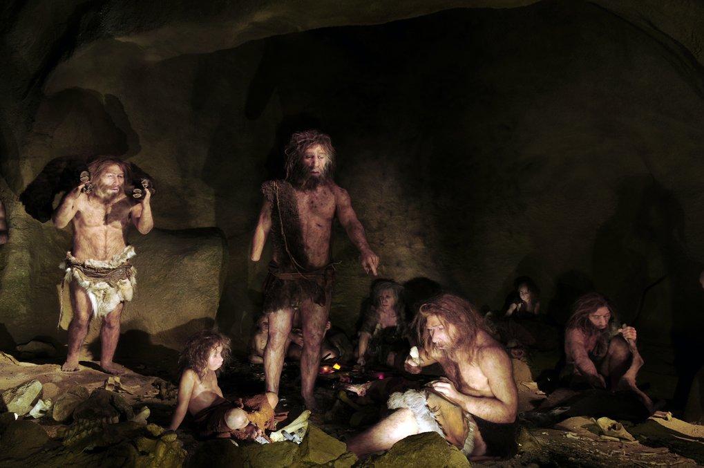 Neandertaler und moderner Mensch haben sich im Laufe der Jahrtausende mehrfach miteinander gemischt und Gene ausgetauscht. Forschende haben nun entdec