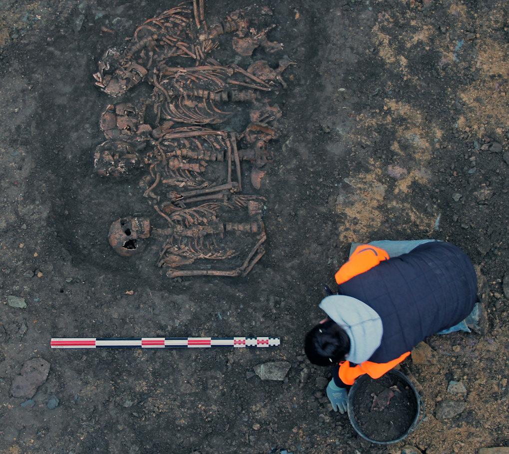 Ausgrabung des Grabes, das dem bretonischen Lager während der Belagerung von Rennes im Jahr 1491 zugeschrieben wird.