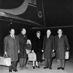The first delegation of the Max Planck Society on its way to Israel.