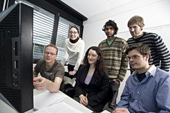 Fighting the flu with computer power: The scientists from the Computational Genomics and Epidemiology research group on their quest for the trigger of future flu epidemics. Back row, from left: Christina Tusche, Kaustubh Patil, Johannes Droege; front row, from left: Lars Steinbrück, Alice McHardy und Sebastian Konietzny.