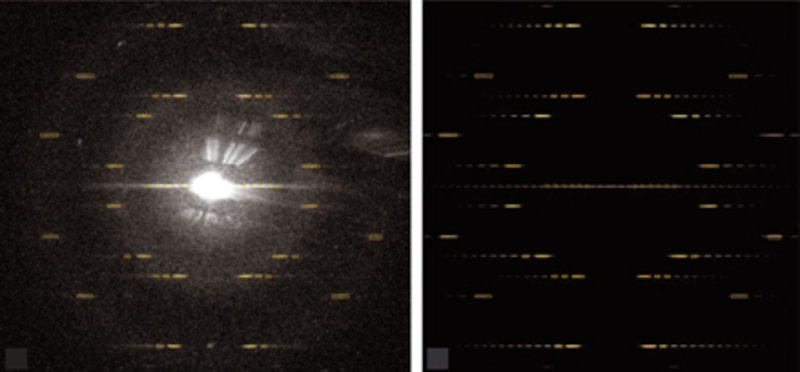 Beugungsbild einer Nanoröhre ((<i>n</i>,<i>m</i>) = (24,11)) (links) und die entsprechende Computersimulation (rechts).