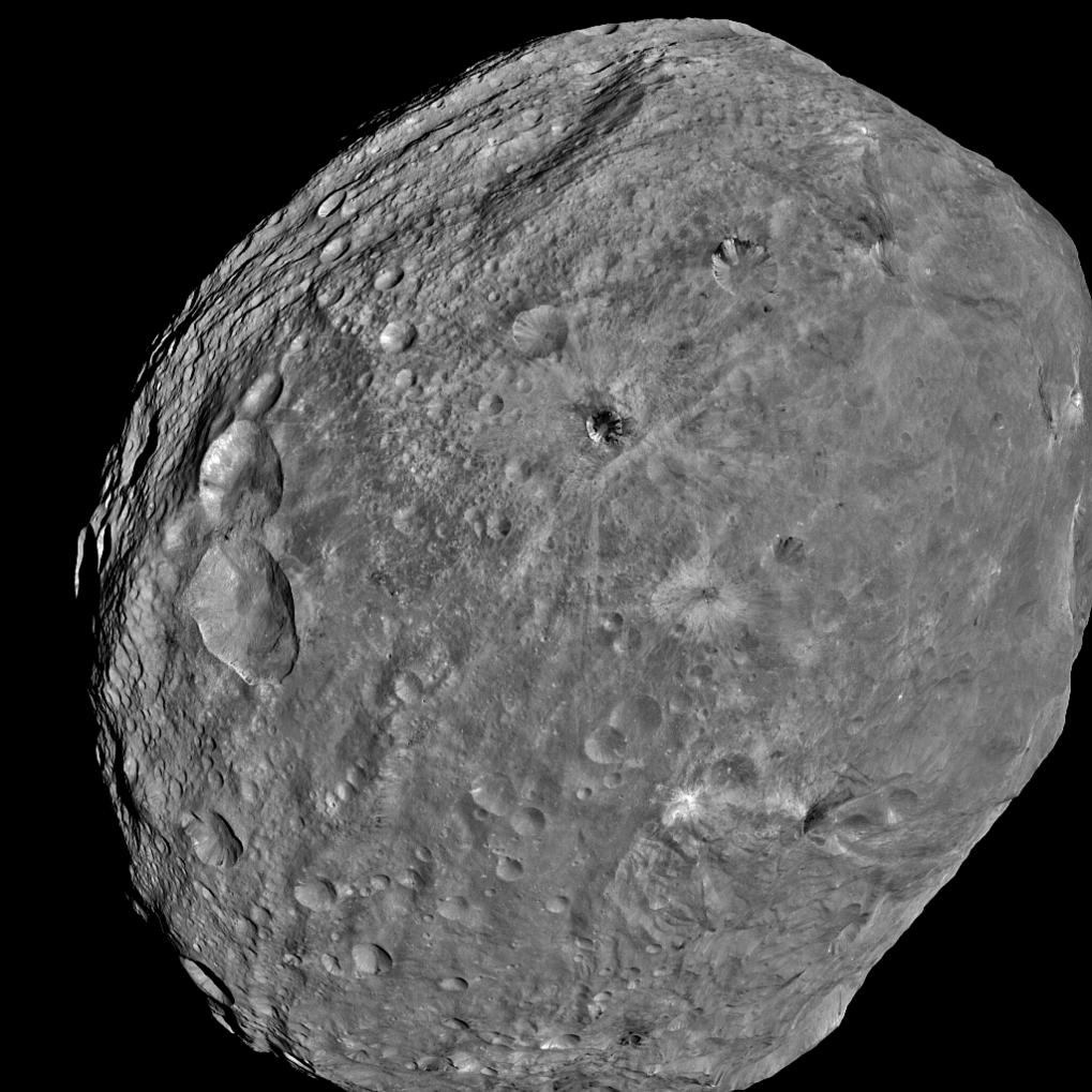 Das Kamerasystem an Bord von Dawn hat dieses Bild von Vesta am 24. Juli aus einer Entfernung von 5200 Kilometern aufgenommen.