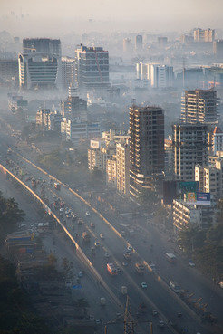 Smog over Mumbai: The air in some mega cities contains enough contaminants to cause thousands of extra deaths.Air pollution in India's capital alone claims around 10,000 lives each year.