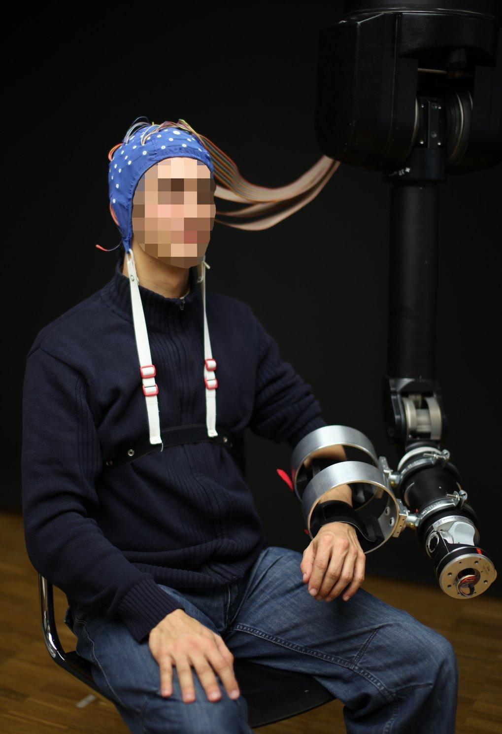 <b>Abb. 1:</b> Gehirn-Computer-Schnittstellen in der Schlaganfall-Rehabilitation.