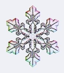 At the origin of the perfect crystal: water crystallises with a six-fold symmetry that can be seen in every snowflake. This structure already forms in water clusters with 475 molecules, which do not resemble a snowflake at all.