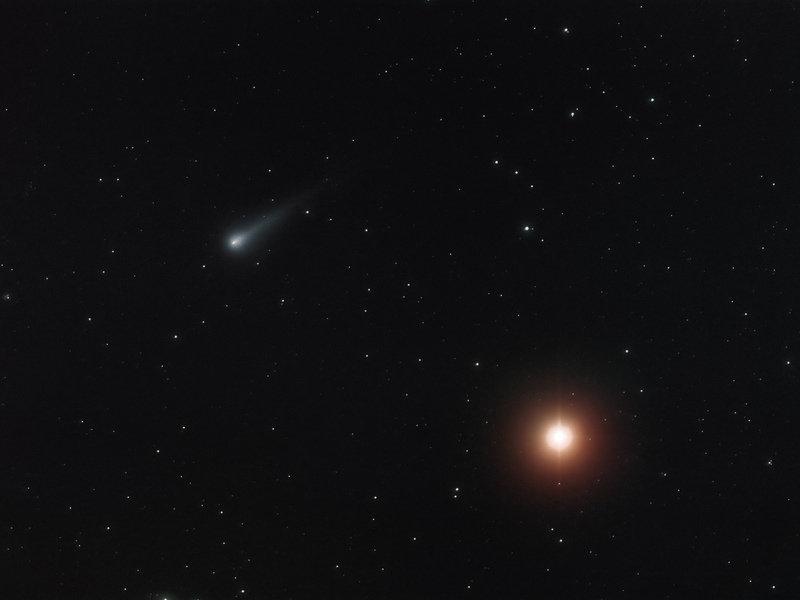Comet at dawn | Max Planck Society