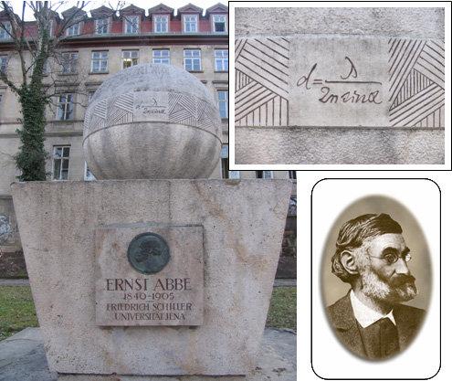 Abbes Formel zur maximalen Auflösung eines Lichtmikroskops an einem von der Universität Jena errichteten Denkmal (vor dem Physiologischen Institut, Am